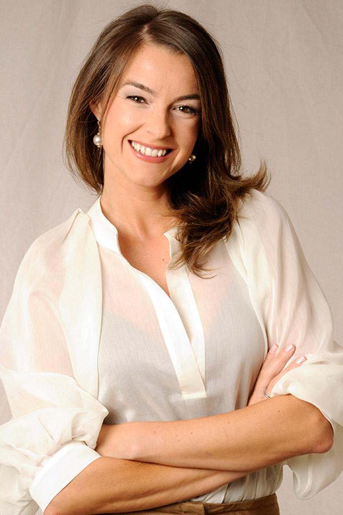 Monica Martinez - Presentadora